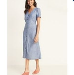 Old Navy v-neck button front midi dress small